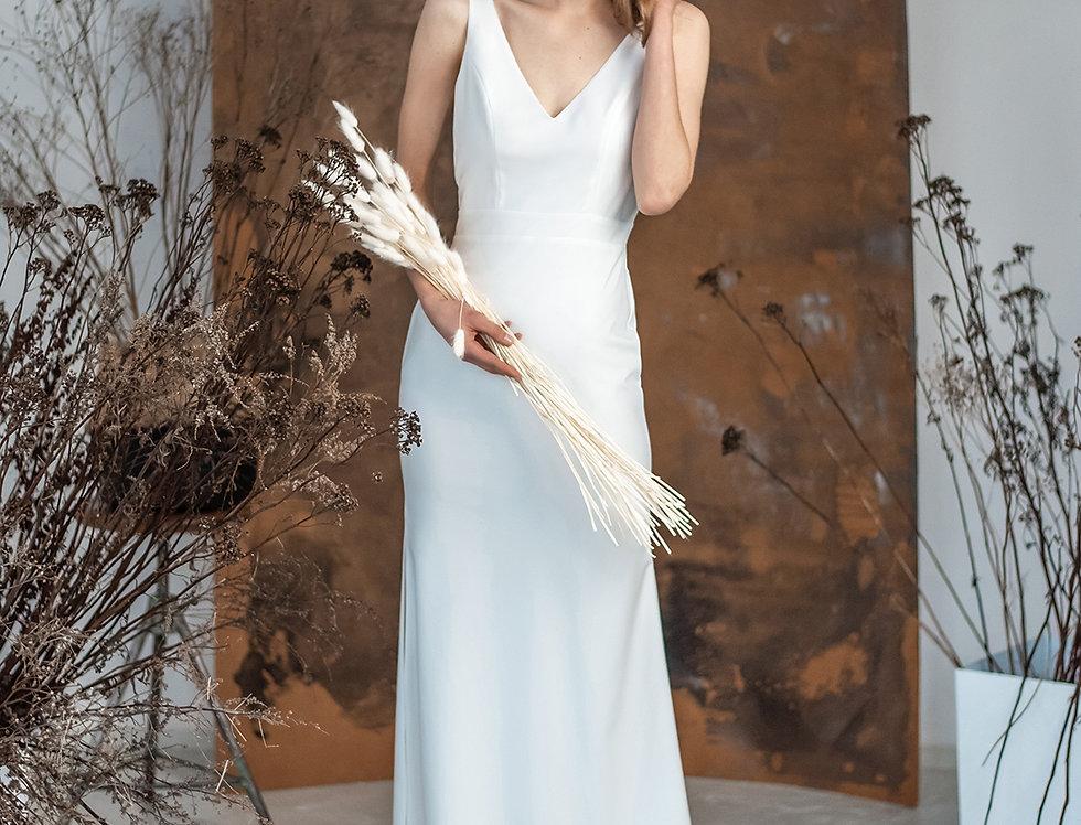 Dopasowana suknia Adora