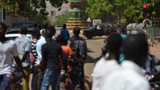 Attaque meurtrière à Ouagadougou : beaucoup d'inconnues qui en disent pourtant long sur la situation