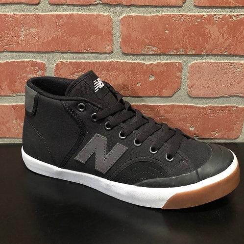 New Balance 213 - sz 8