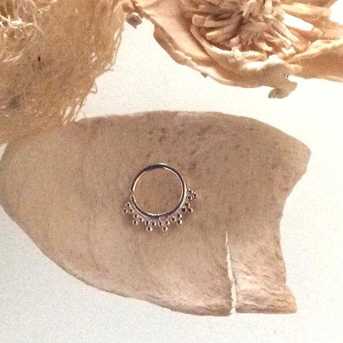 Septum/ Daith smykke i sterling sølv. Håndlavet fra Alba Teo