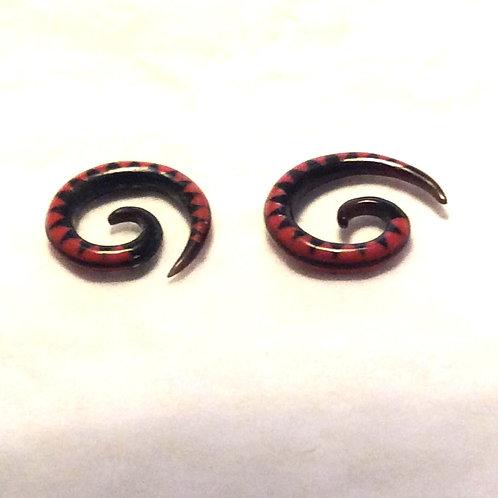 Hanger/ Spiral Bøffelhorn ca. 3 mm.