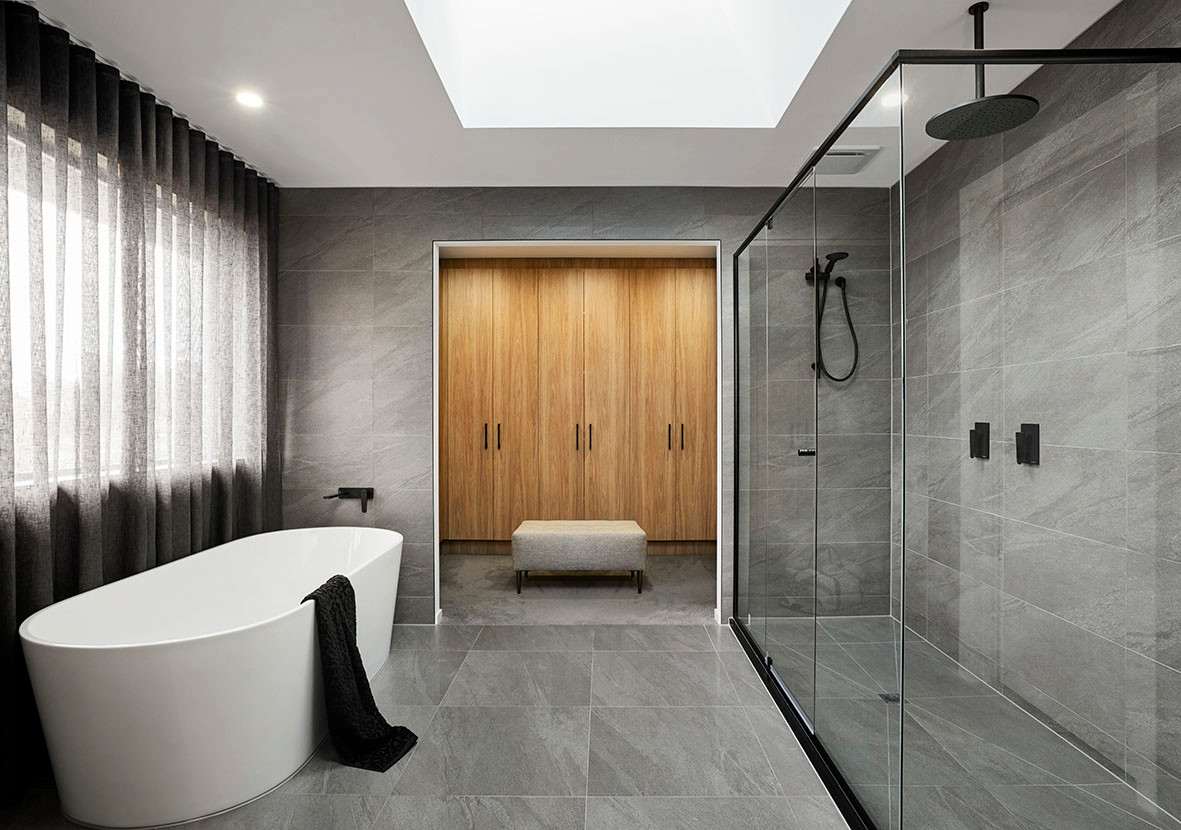 Crystal Hinged Doors and Black Semi-frameless Shower