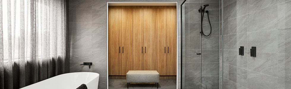 Crystal Hinged Doors and Black Semi-frameless Shower