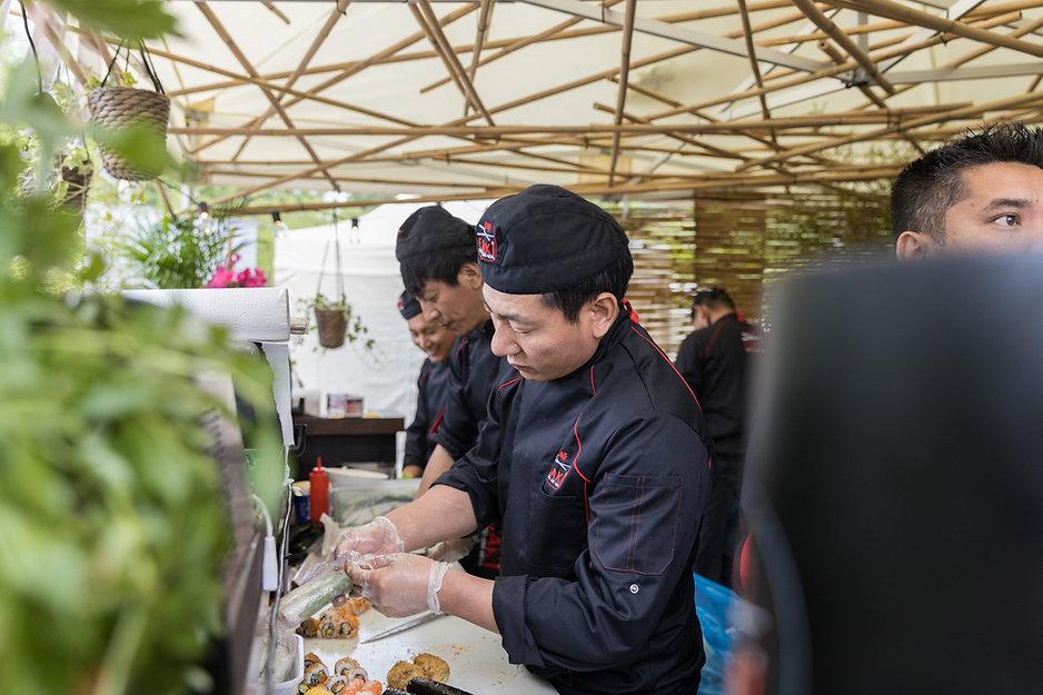Sushichefs van Esaki voor sushi catering Limburg