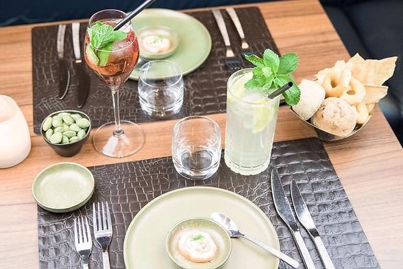 Gezellige tafel bij Bistro Le Comptoir in Tongeren