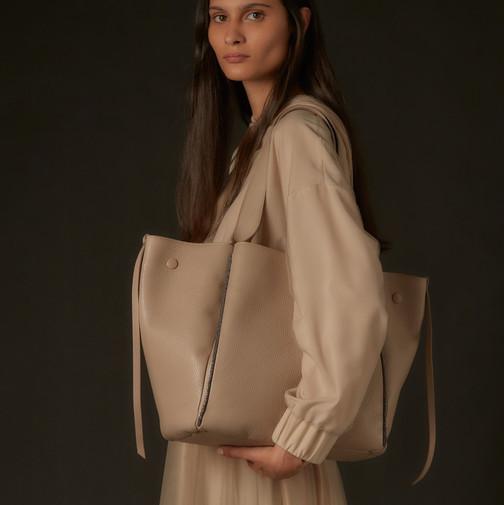 Fabiana Filippi bij Couture Agnes Tongeren 10.jpeg