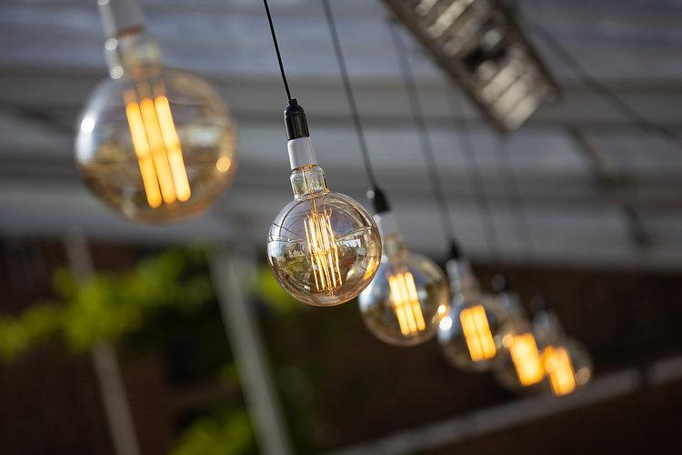 Fotograaf Limburg - Lampen in een tent op een evenement