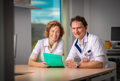 Dokter Leonie Geukens en dokter Rens Busschots