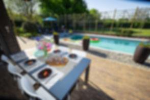 Vakantie in eigen huis, buitenverblijf of gehuurde locatie met Staycation Squad