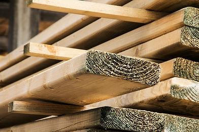 constructiehout voor tuinprojecten.jpg