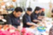 Vier sushichefs van Esaki Sushi Tongeren aan het werk op het sushifestival van de Japanse Tuin in Hasselt