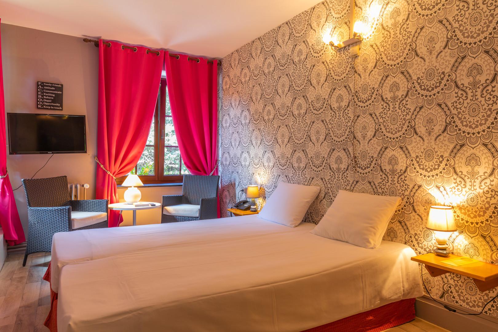 Kamer met twin bedden bij Hostellerie Beau Site in Trois-Ponts