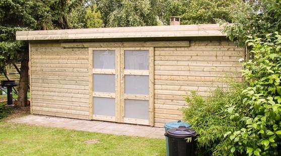 Kubus tuinhuis met dubbelle deur