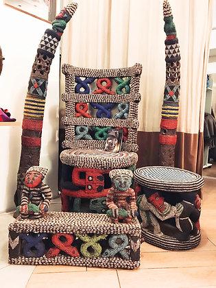 Afrikaanse Bamum troon + bijhorigheden