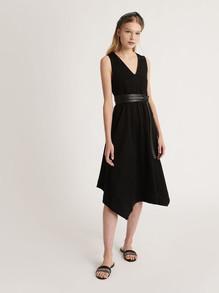 designermode lente en zomer 2021 Fabiana Filippi zwarte jurk
