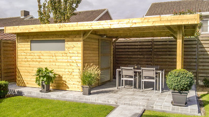 Tuinhuis plat dak met terras overkapping