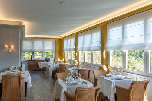 Restaurant in Hostellerie Beau Site met panoramisch uitzicht over de vallei van Trois-Ponts