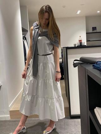 designermode lente en zomer 2021 witte lange jurk