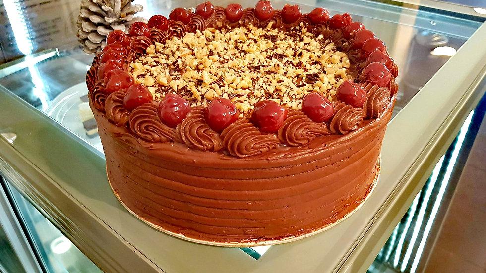 Chocolate Cherry Cake (Ludlab)