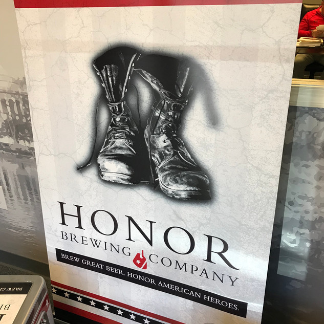 HonorBannerStand