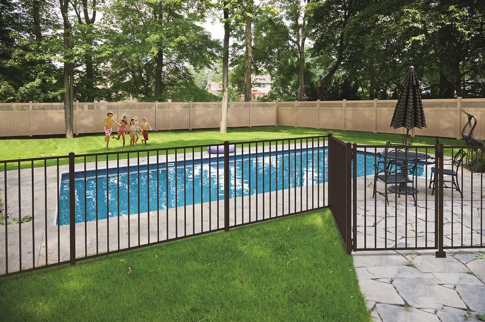 How a Fence Store Near Me Helps Choose the Right Materials in Somerset County and Union County, NJ