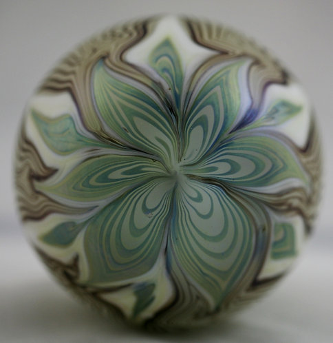 Liberty Village Glass Paperweight Blossom/Pulled Feather Design d1979 Mint