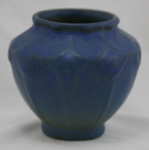 Van Briggle Vase #654 Stylized Blossom/Geometric Motif c19teens Rich Blue Glaze