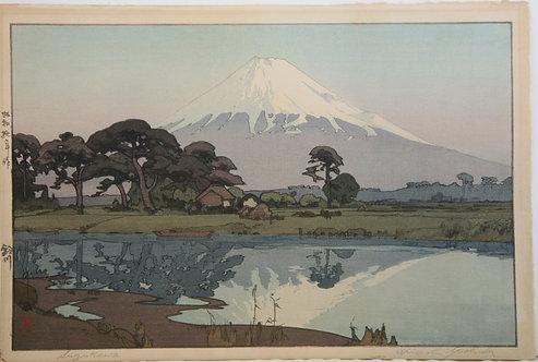 Hiroshi Yoshida (1876-1950)  'Mount Fuji as seen from Suzukawa'