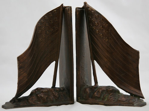Unknown Cast Iron '15-Star American Flag' Bookends c1950