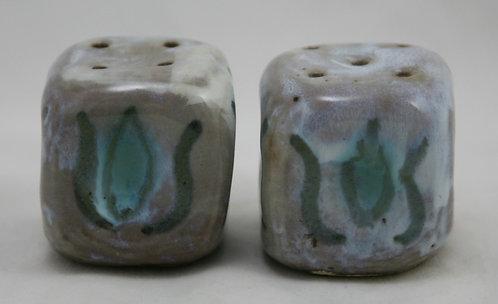 Graylor Pottery Martha's Vineyard (Mary Grabill/June Taylor) Tulip Salt & Pepper