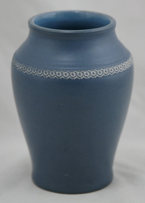 "Denver White Pottery 5.5"" Vase W/Stylized Garland In Matte Blue/White Slip"