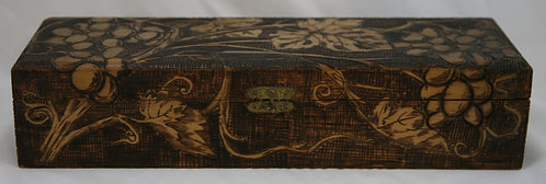 $OLD! TY! Flemish Art Co. NY Pyrography Wooden Box with Grape/Leaf Motif c1900
