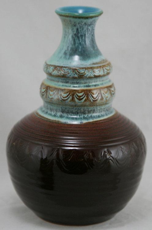"""Dryden Pottery 8"""" Vase by Vietnamese Potter 'Nguyen Loi' d1981"""