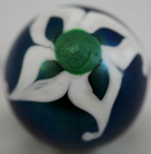W.E. Porter Glass Paperweight With Bold Blossom Design d1979 Mint