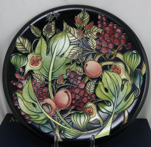 William Moorcroft Wall Charger Queen's Choice Designed by Emma Bossons d2000