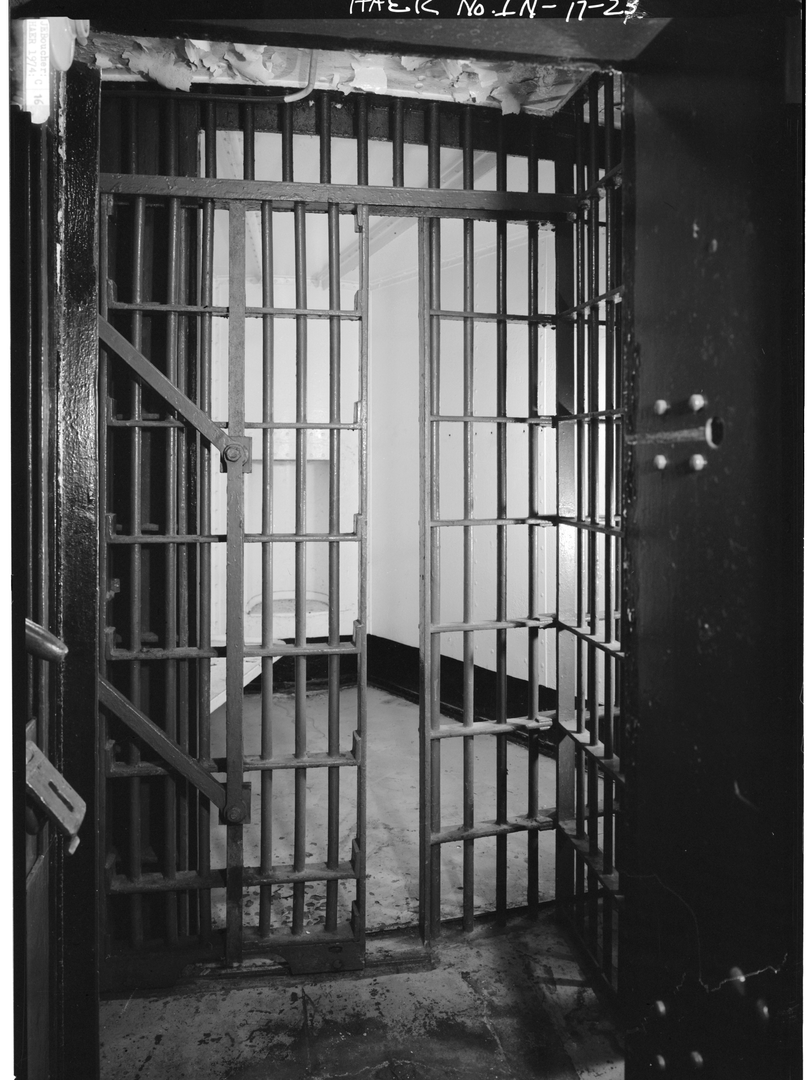 1974 - CELL DOOR AND CELL HALF CLOSED.ti