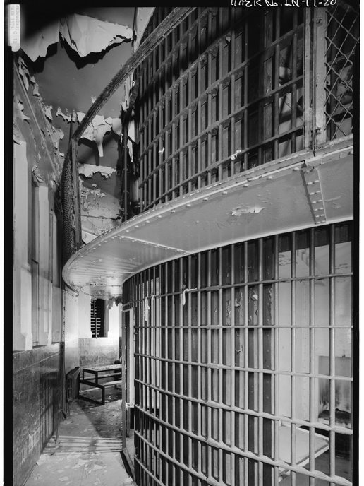 1974 - DOUBLE-TIERED ROTARY CELL BLOCK.t