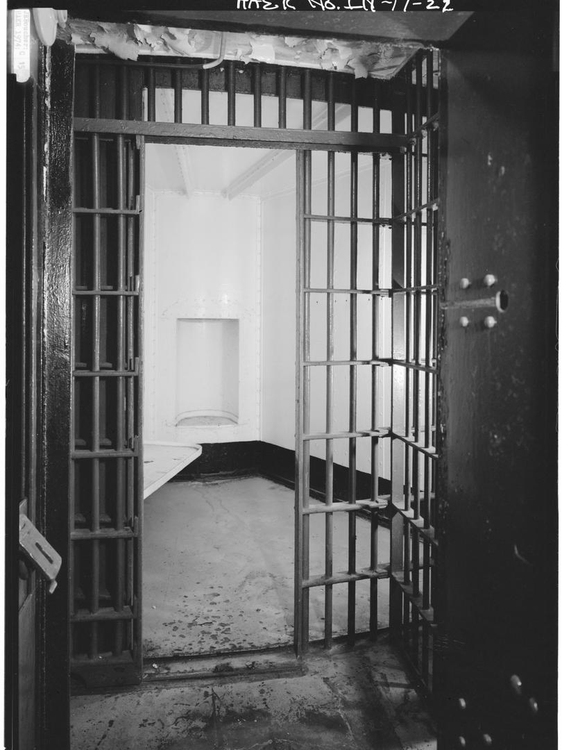 1974 - CELL DOOR AND CELL, DOOR OPEN.tif