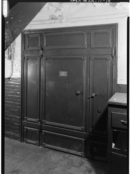 1974 - ENTRANCE DOOR TO CELL BLOCK IN CL