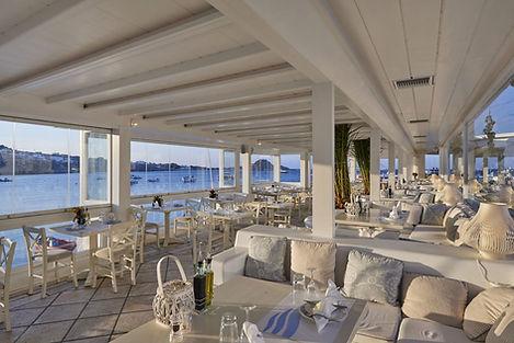 Petinos Restaurant.jpg