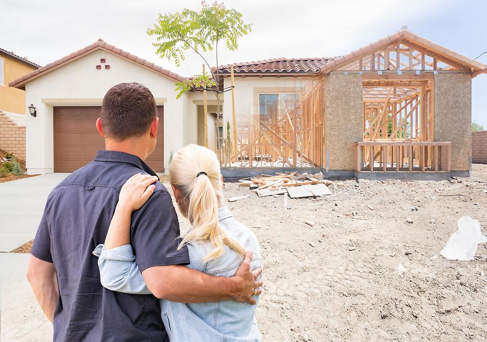 Travaux-agrandissement-maison-avec-couple