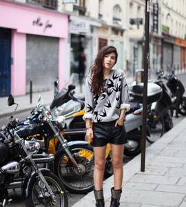 Fashion-Blogger-Wearing-McQ-Swallow-Sweatshirt