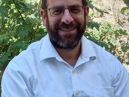 Practitioner Spotlight: Eliezer Rubinoff Certified Shiatsu Therapist, Energy Healer & Iridologist
