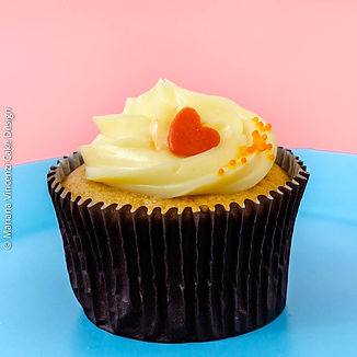 Cupcake Romeu e Julieta, recheado com geléia artesanal de goiaba e cobertura de cream cheese especial da Alegra e da Chef Mariana Vincenzi