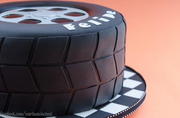 Pneu Cake, bolo em forma de pneu esculpido e modelagem 3D