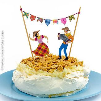 Pavlova especial com tema de festa junina decorada com arte em papel, sabor de cocadinha e amendoim Alegra e da Chef Mariana Vincenzi