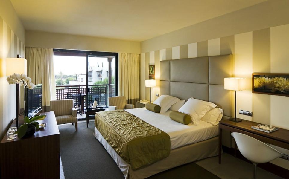 Bedroom  RO.HB.204.jpg