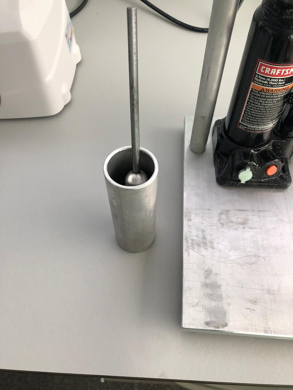 Cebado de prensa hidráulica para análisis de savia