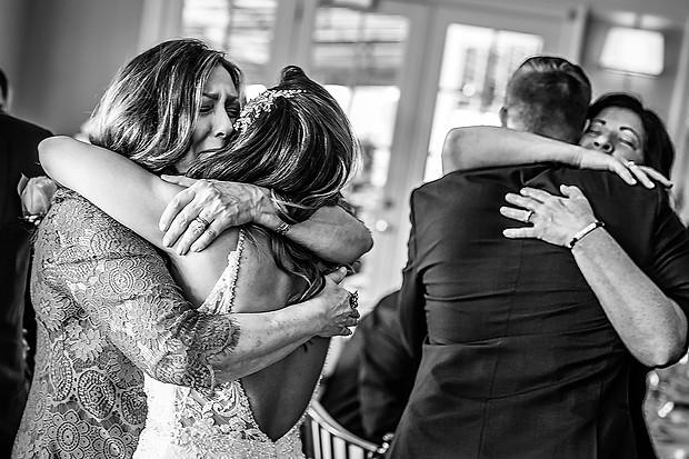 Double Hug wedding photos - Aly Kuler.jp