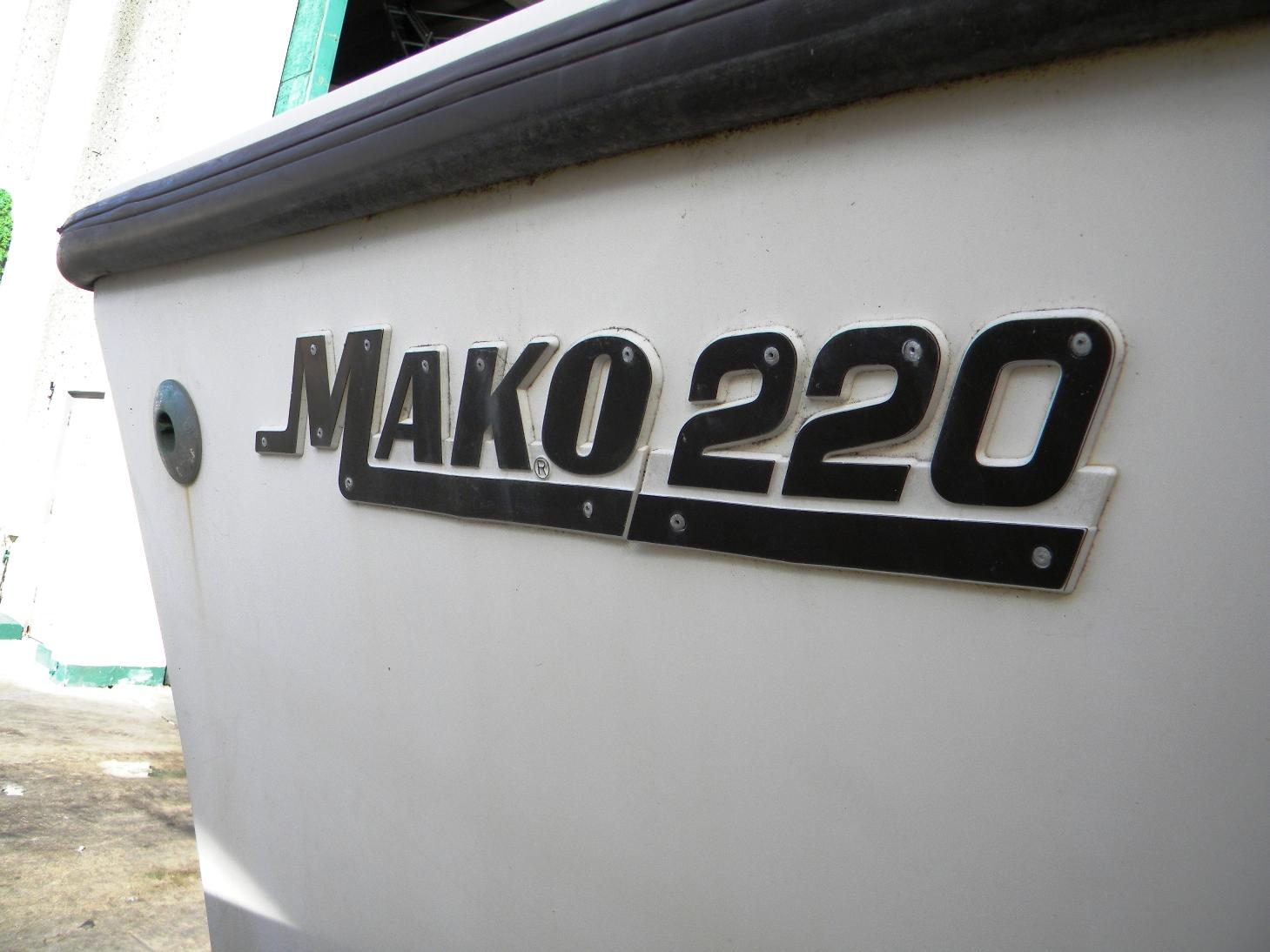 1988 Mako 220 Cuddy
